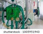 oxygen respirator medical... | Shutterstock . vector #1005951943