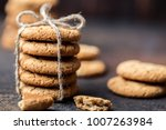 chocolate chip cookies on... | Shutterstock . vector #1007263984