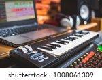 computer music  home studio... | Shutterstock . vector #1008061309
