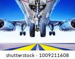 take off of an modern ailiner   Shutterstock . vector #1009211608