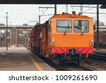 ballast distributing and... | Shutterstock . vector #1009261690