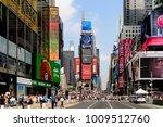 new york  usa   sep 16  2017 ... | Shutterstock . vector #1009512760