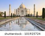 taj mahal refected in the water ... | Shutterstock . vector #101925724