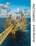offshore oil and gas... | Shutterstock . vector #1038961396