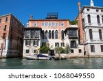 canal grande  grand near ponte... | Shutterstock . vector #1068049550