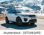 White Range Rover Evoque....