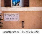 Small photo of Piazza di Trivi