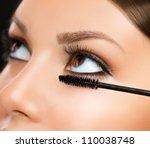 ������, ������: Mascara Applying Makeup Closeup Eyes