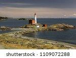 fisgard lighthouse and scenic... | Shutterstock . vector #1109072288