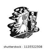 skull running in treadmill... | Shutterstock .eps vector #1135522508