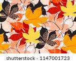 fall leaves seamless pattern...
