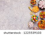 Different Candies Border On...