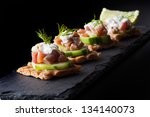 crispbread with tuna