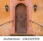 Old Wooden Vintage Entrance ...