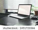 blank laptop screen on working...