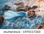 Sleep Beauty Charming Sea...