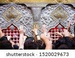 Imam Hussain Hand Pepole In ...