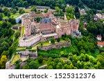 Luftaufnahme  Schloss...
