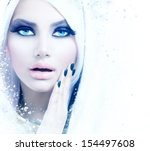 Постер, плакат: Winter Woman Portrait Snow