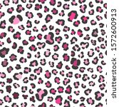 seamless pink leopard pattern.... | Shutterstock .eps vector #1572600913