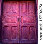 Old Vintage Rustic Exterior Red ...