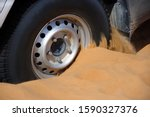 Car Wheel Stuck In Sand  Wahiba ...