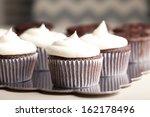 Chocolate Gourmet Cupcakes Wit...