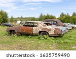 Old Abandoned Rusty Vehicles ...