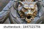 Door knocker with head of lion.