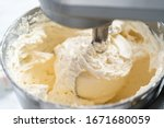 Making Buttercream Frosting For ...