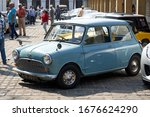 Samples Of Vintage Cars At A...
