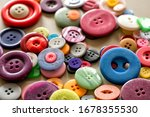 Many colorful garment buttons...