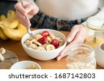 Healthy Vegan Breakfast Oatmeal ...