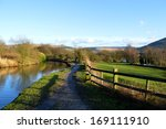 Hudderfield Narrow Canal In...