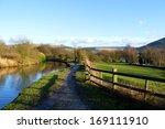 Hudderfield Narrow Canal In...