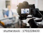 The Live Video Blogger Teaches...