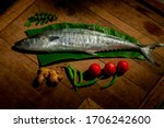 Large King Fish And Its Cutting ...