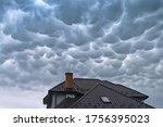Menacing Mammatus Clouds Before ...