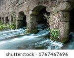 Water Running Trow The Arches...