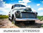 Abandoned Rundown Puck Up Truck ...