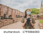 Asian Women A Wearing Face Mask ...