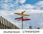 Oldschool Wooden Pole Guidepost ...