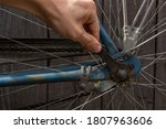 Fixing An Old Rusty Bike With A ...