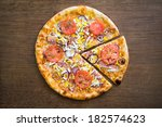 ham and eggs pizza with... | Shutterstock . vector #182574623