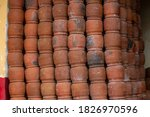 Many Big Brown Caly Pots...