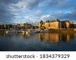 Victoria Inner Harbor Evenin...
