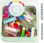 Sewing Material Subway Button...