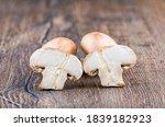 Brown Mushrooms  Champignons ...
