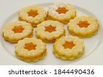 Delicious Linzer Cookies On...