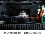 Electronic autofocus drive in the lens. Autofocus motor in the lens housing